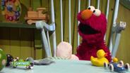 Elmo mit Gipsbein © NDR Foto: screenshot