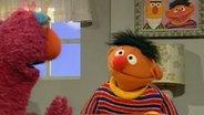 Telly und Ernie machen eine Fantasie-Tee-Party. © NDR Fotograf: Screenshot