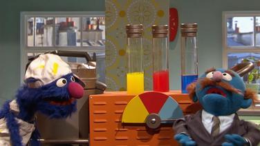 Grobi als maler beim Blauen © NDR Foto: Screenshot