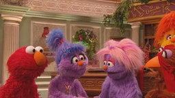 Elmo. Phoebe, Cousine Bebe © Sesame Workshop