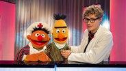 Tim Bendzko mit Ernie und Bert © NDR Fotograf: Thorsten Jander