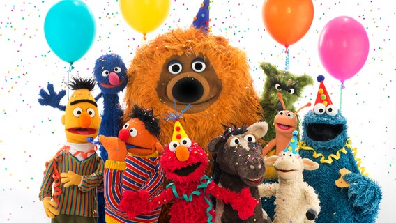 Abc Sesame Street Cakes in addition Oscar The Grouch Evicted From Sf Trashcan Moves To Oakland Dumpster as well 261944581764 also Sesamstr Wird 40 moreover SesameStreet. on oscar sesame street birthday