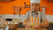Clemens in der Kochschule © NDR/ Melanie Kuss Fotograf: Melanie Kuss